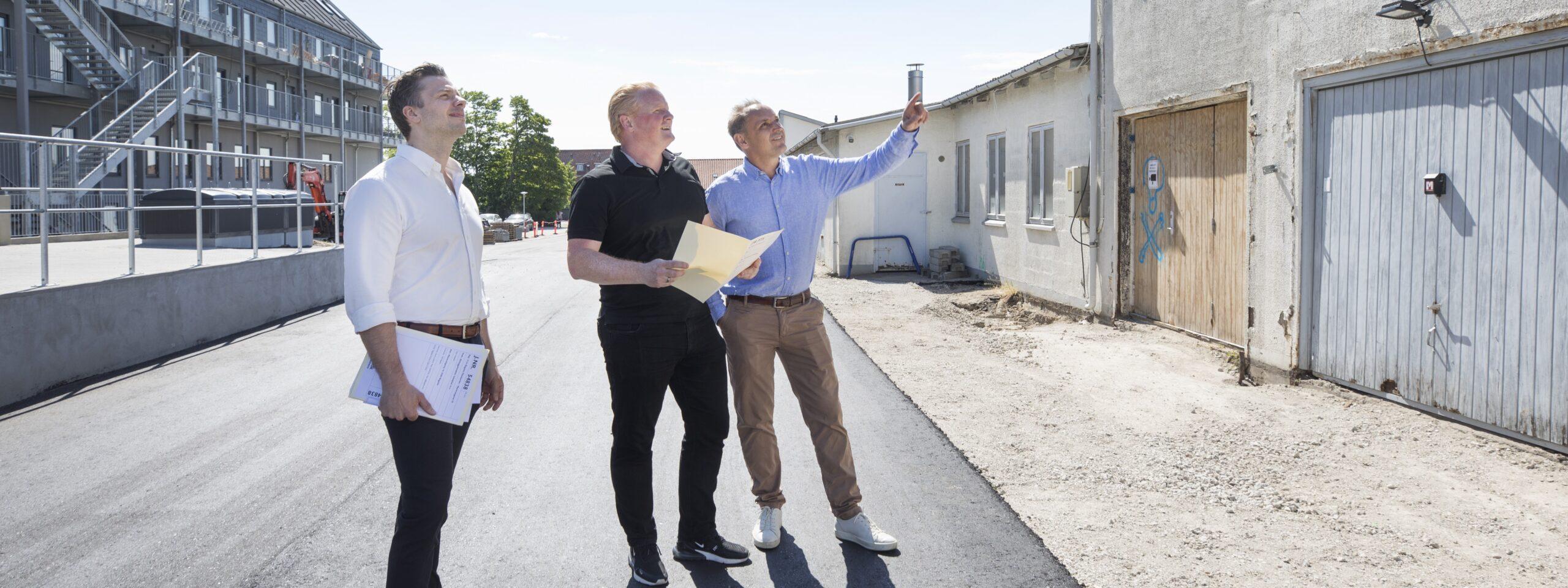To Skel.dk medarbejdere ved Oslo Plads